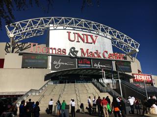 (写真:去年のパッキャオ対バルガス戦はラスベガスのトーマス&マック・センターで開催。今年11月にはパッキャオは再びベガスでの試合を予定しているとも言われる)