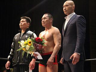 (写真:4月7日、大阪・城東区民ホールのリングにUの戦士が集った)