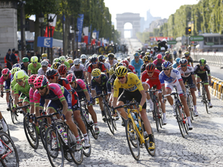 24 July 2016 103rd Tour de France Stage 21 : Chantilly - Paris Champs-elysees FROOME Christopher (GBR) Sky, Maillot Jaune Photo : Yuzuru SUNADA